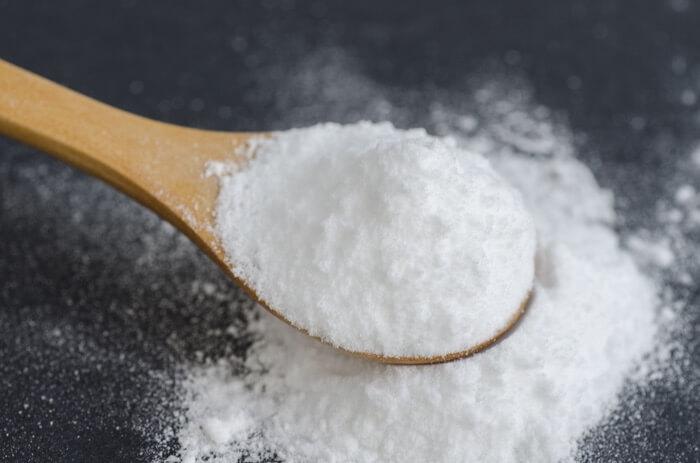 Baking soda being spread to kill ants
